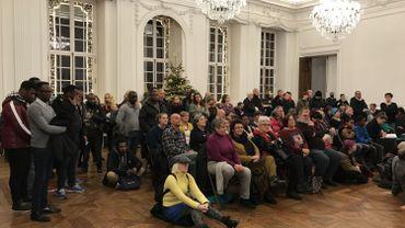 De nombreux militants de la Voix des Sans Papiers venus soutenir les interpellations à propos du squat Sainte-Beuve