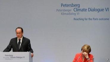 """Hollande et Merkel appellent à un accord """"ambitieux"""" sur le climat"""