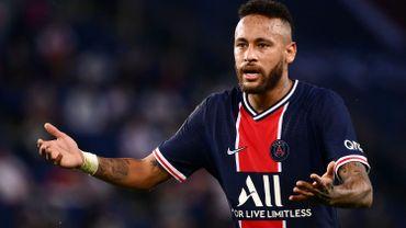 """Le Paris SG """"soutient fermement"""" Neymar qui se dit victime d'injures racistes"""