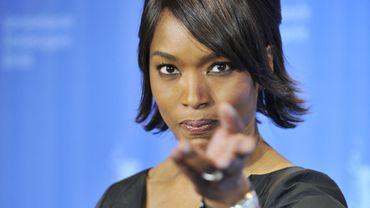 """Angela Bassett campera la mère de """"Black Panther"""" dans le film éponyme"""