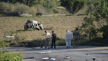 Le 16 octobre 2017, la journaliste maltaise Daphe Cauana Galizia décède dans l'explosion de sa voiture.