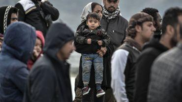 Des milliers de migrants se pressent au large des côtes grecques.