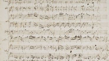 MANUSCRIT AUTOGRAPHE DES DEUX MENUETS POUR ORCHESTRE K.164 (130A) N° 5 ET 6. [SALZBOURG, JUIN 1772.]