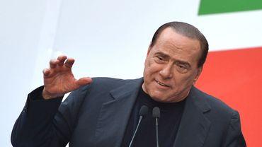 """""""On peut très bien faire de la politique sans être au Parlement"""", a déclaré Silvio Berlusconi alors que son expulsion du Sénat pourrait être décidée"""