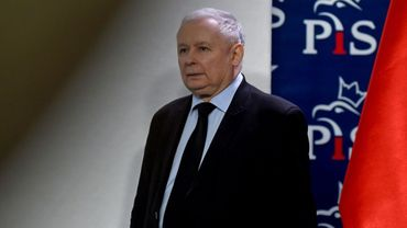 Le chef du parti conservateur au pouvoir en Pologne Jaroslaw Kaczynski lors d'une conférence de presse à Varsovie le 13 mars 2017