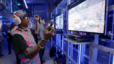 """Consoles et jeux vidéo: """"Futurocompatibilité"""" et """"e-sport"""" sont à l'honneur"""