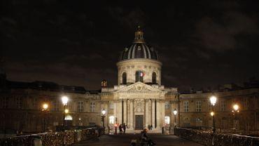L'Institut de France, qui abrite l'Académie française, vu du Pont des Arts