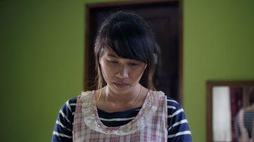 """Le film """"Overseas"""" raconte le sort d'environ 200 000 femmes qui, chaque année, quittent les Philippines pour travailler comme domestiques."""