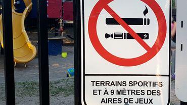 À Montréal, il est déjà interdit de fumer à moins de 9 mètres des aires de jeux