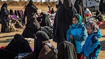 Des femmes et des enfants  le 14 janvier 2020 au camp d'Al-Hol géré par les Kurdes.
