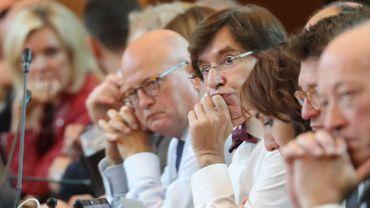 """Politique régionale en débat: """"Trop de flou, pas assez de sous"""", selon le PTB, qui """"s'est mis hors-jeu lui-même"""""""