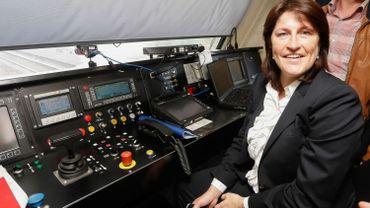 Jacqueline Galant veut remplacer les trains non rentables par des bus