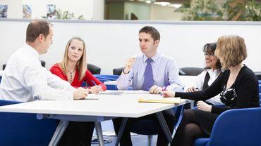 Les hommes gagnent 10% de plus que les femmes dans les grandes entreprises