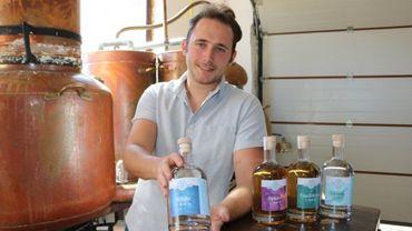 Maximilien a ouvert une nouvelle distillerie.