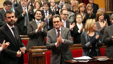 """Le président catalan Artur Mas qualifie le texte de résolution sur la souveraineté de cette région d'Espagne """"d'historique"""""""