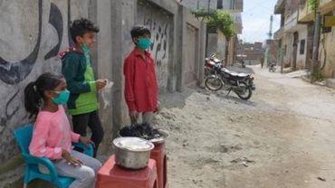 """Human Rights Watch s'inquiète de l'impact """"dévastateur"""" du virus sur les enfants"""