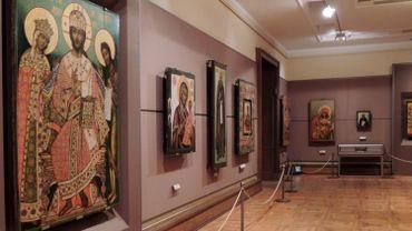 Un homme subtilise un tableau en plein jour dans un musée de Moscou