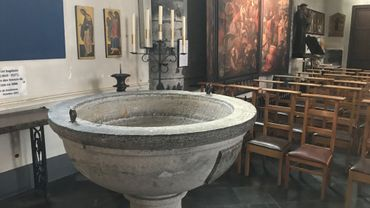 Les baptêmes d'adultes ont lieu lors de la veillée de Pâques