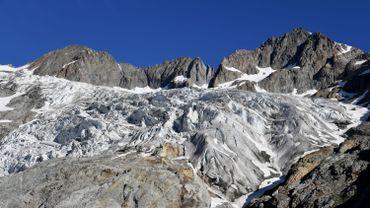 Selon le Laboratoire de glaciologie et géophysique de l'environnement (LGGE) de Grenoble, qui dresse cet état des lieux dans le cadre d'un inventaire réalisé sur les Alpes à l'échelle européenne, la fonte des glaciers s'est brutalement accélérée sur cette période.