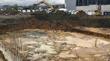La construction des 96 premiers appartements a démarré, derrière la cité administrative.