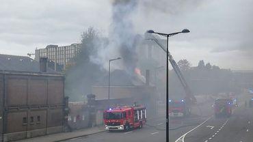 Incendie à Namur d'un bâtiment inoccupé rapidement maitrisé