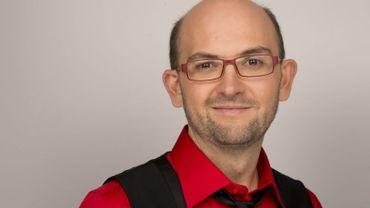 Christophe Bourdon aime la comédie à la française, et il le prouve