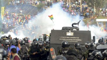 Affrontement entre police et manifestants  près de Cochabamba
