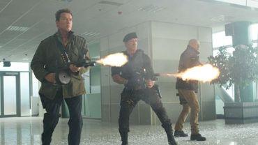 Les gros bras de 'The Expendables 2' s'emparent de la tête du box-office américain.