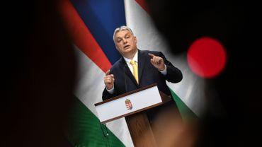 Voktor Orban appelle à une consultation populaire.