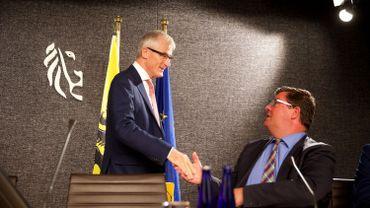 Le ministre-président flamand Geert Bourgeois et Bart Tommelein, le ministre flamand du Budget.