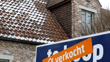 Le gouvernement flamand s'accorde sur une solution pour les acheteurs d'une habitation