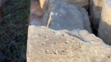 Des graffitis médiévaux pour chasser sorcières et mauvais esprits découverts en Angleterre