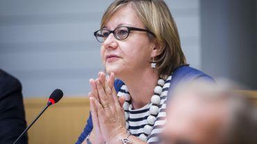 Pour les FDF, Caroline Persoons réclame une enquête.