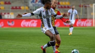 Joris Kayembe prolonge son contrat avec Charleroi jusqu'en2023
