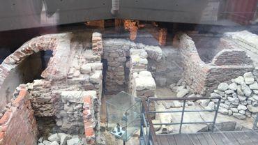 Les vestiges du couvent franciscain vu de la verrière
