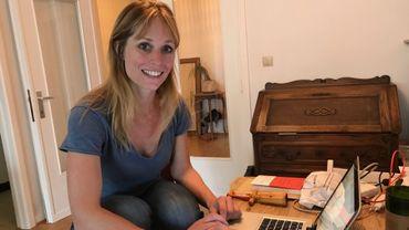 Adeline Dieudonné à son bureau