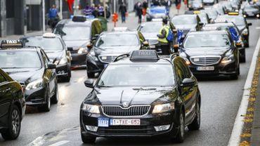Attentats à Bruxelles: les taxis appelés à se mettre au service de la population