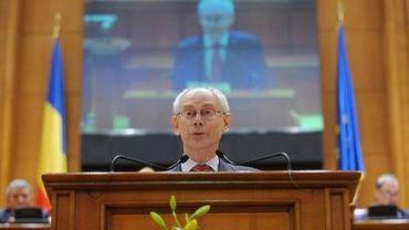 Le président de l'Union européenne, Herman Van Rompuy devant le Parlement roumain à Bucarest le 25 avril 2012