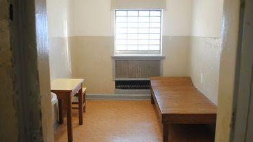 Certains criminologues estiment qu'il faut laisser au détenu la perspective de l'évasion afin de rendre l'emprisonnement supportable.