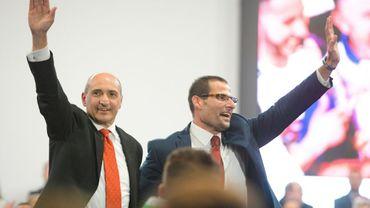 Robert Abela (à droite) et son rival pour la direction du parti travailliste maltais Chris Fearne (gauche) à Paola le 10 janvier 2020