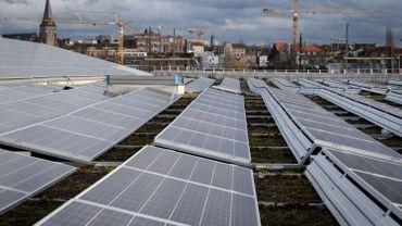 Les subventions offertes aux propriétaires de panneaux solaires devraient être supprimées.