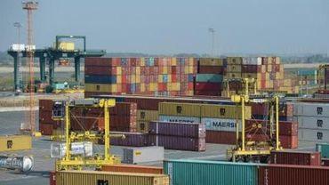 Un navire en quarantaine dans le port d'Anvers après la découverte de 8 marins positifs