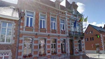 L'échevine Véronique Tichon démissionne du collège communal de Philippeville. Christophe Corouge la remplacera.