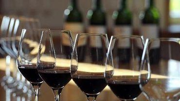 Des verres de vin