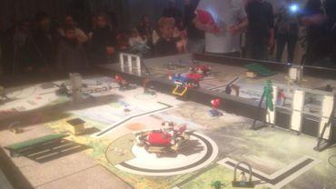 Ciney accueillait ce week-end la 1ère manche du Championnat mondial de robotique. La compétition, organisée par Technobel, était jugée par un jury de scientifiques, dont un doctorant de l'U-Namur