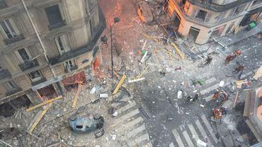 Explosion d'une boulangerie à Paris: minute de silence des pompiers bruxellois