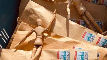 Des bonshommes en bois customisés pour Infirmiers de Rue