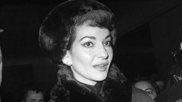 La célèbre cantatrice américaine d'origine grecque, Maria Callas, débarque le 16 décembre 1958 à la gare de Lyon à Paris.