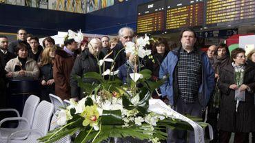 Les familles des victimes rendaient hommage aux disparus à la gare de Mons, le 13 février dernier