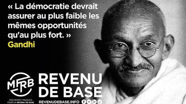 En France l'idée d'un revenu universel, proposée par Hamon, est aussi soutenue par diverses associations.